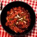 pilaw aus rote-beete-bulgur mit gedünsteten zwiebeln